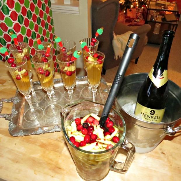 Christmas Apple Cider Sangria  | 1924 London